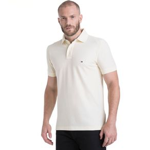 Tommy-Polo-Masculina-Manga-Curta-Modelagem-Regular-Com-Logo-Bordado-No-Peito