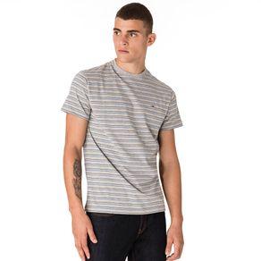Tommy-Jeans-Camiseta-Listrada-Masculina-Manga-Curta-Modelagem-Regular-Com-Logo-Pequeno-Bordado-No-Peito