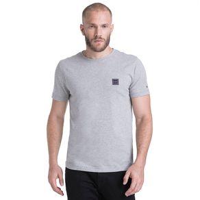 Tommy-Camiseta-Masculina-Manga-Curta-Modelagem-Regular-Com-Bordado-No-Peito