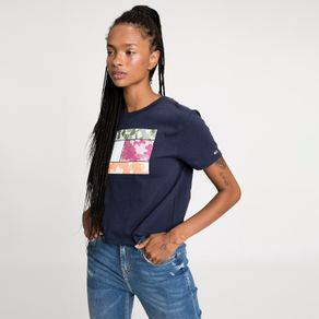 Tommy-Jeans-Camiseta-Cropped-Camo-Flag